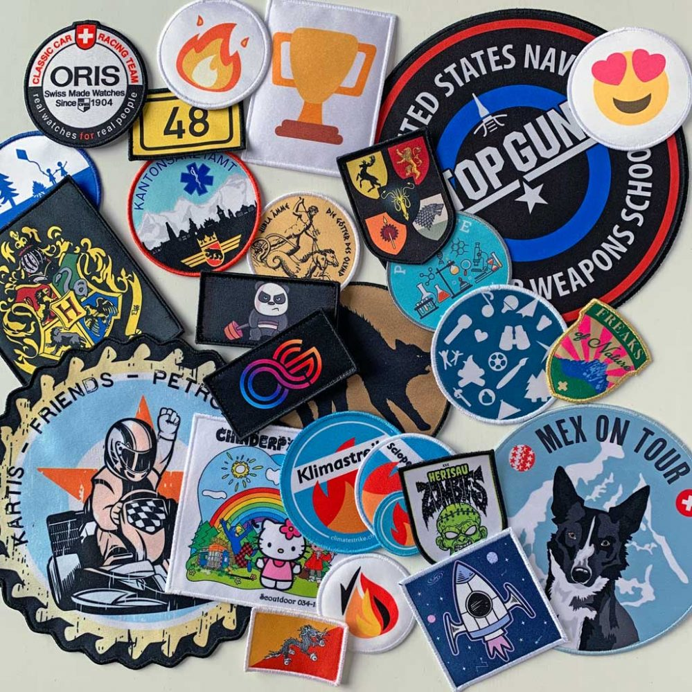 Printed patches with vivid colours